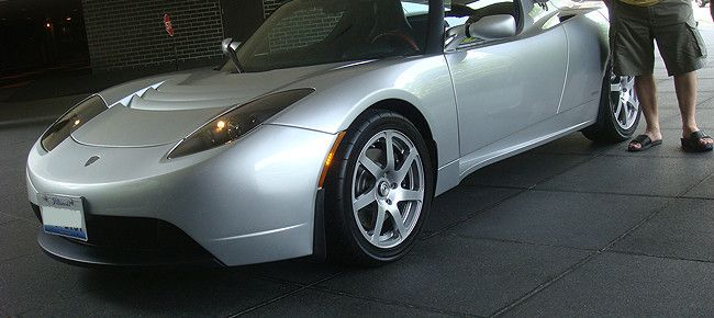 Tesla Roadster spotted in Chicago