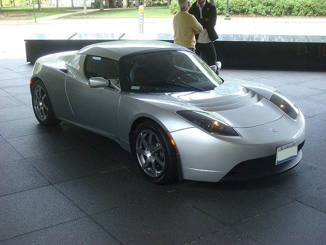 Tesla Roadster Spotted in Chicago 2