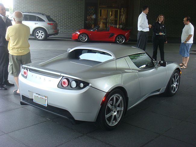 Tesla Roadster Spotted in Chicago 3