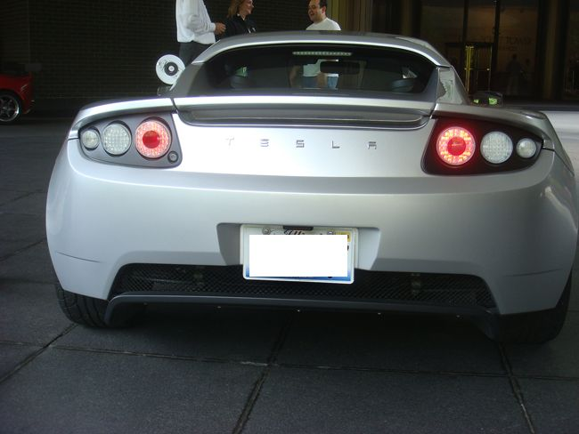 Tesla Roadster Spotted in Chicago 4
