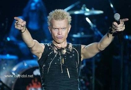 Billy Idol Gives Back – Rocks Baltimore with a Rebel Yell