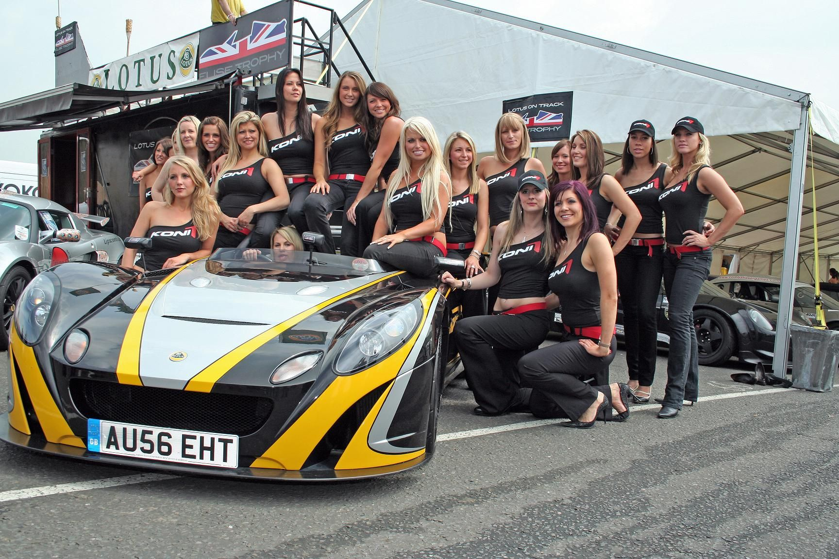 Lotus Elise and Pretty Girls, perfect combo! | Z-Car