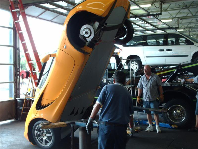 lotus elise falls off lift qball